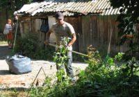 Участники «Эстафеты добрых дел» навели порядок вокруг Дома Реброва в Кисловодске