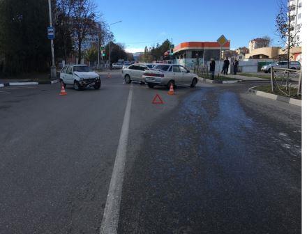 Как сообщила пресс-служба Отдела МВД России по г. Кисловодску, рано утром 26 октября водитель автомобиля Фольксваген «Поло» при выезде на дорогу
