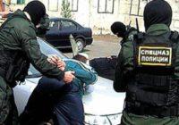 Трое кисловодчан обвиняются в вымогательстве, хранении наркотиков и оружия