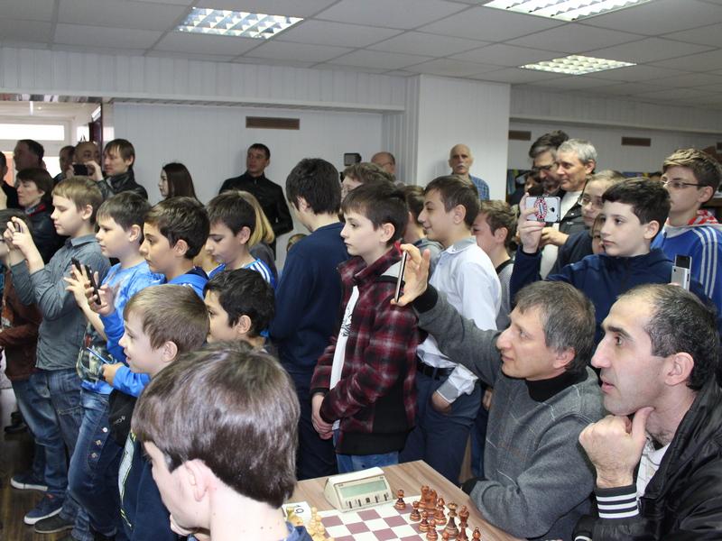 шахматистами