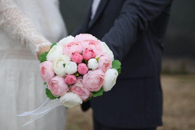 стали чаще женится