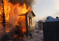 Пенсионер убил односельчанина и поджег его дом