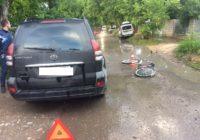 8-летняя девочка попала под колеса автомобиля