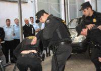 Мужчина пойдет под суд за избиение пристава