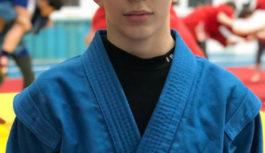 Чемпион России по самбо стал обладателем стипендии губернатора