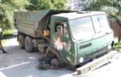 В Пятигорске грузовик провалился в яму