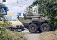 ДТП с легковым автомобилем и БТРом произошел на Ставрополье