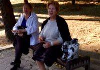 Молодежь Ессентуков угостила бабушек и дедушек сладостями