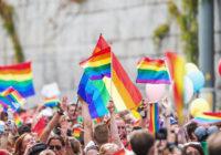 Мэрия Пятигорска не дает геям… читать Конституцию