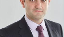 С Днем защитника Отечества поздравляет депутат Аркадий Торосян