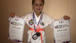 Пятилетняя спортсменка завоевала на соревнованиях две медали