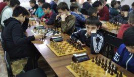 В Ессентуках зажгли Шахматные звезды Ставрополья