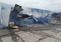 В Суворовской сгорели склады на заводе по розливу минералки